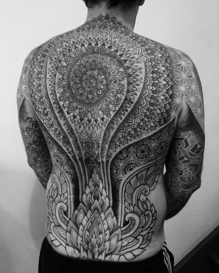 alvaro flores tattooer